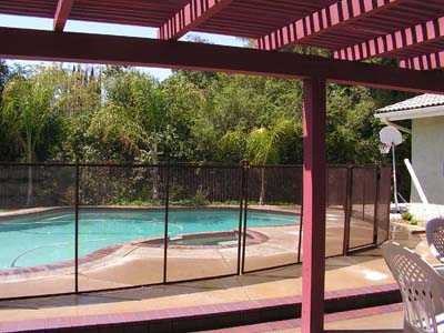Swimming Pool Mesh Fences Fit into Your Yard